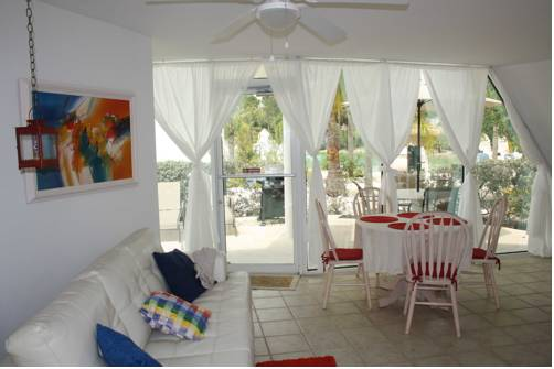 Chalets in Pyramid Village - Fort Myers Cover Picture