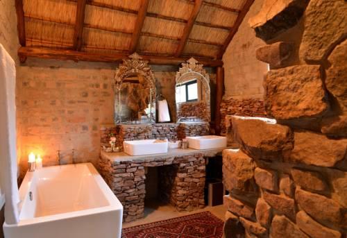 Sabella Private Retreat Cover Picture