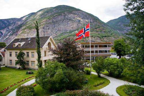 Lindstrøm Hotel Cover Picture