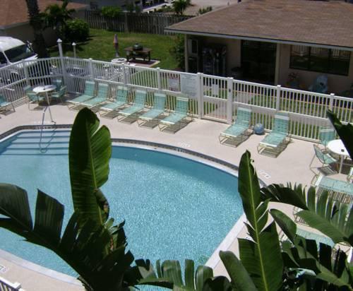 Tuckaway Shores Resort Cover Picture