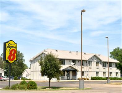 Super 8 Long Prairie Cover Picture