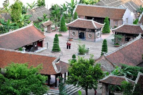 Vietnamese Ancient Village- Lang Viet Co Hotel Cover Picture