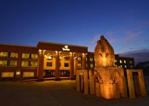 Iyara Lake Hotel & Resort Cover Picture
