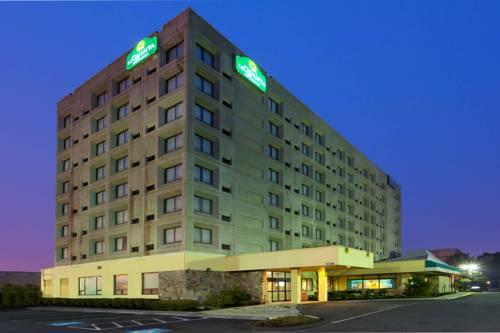 La Quinta Inn & Suites New Haven Cover Picture