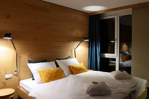 Claudius Hotel Cover Picture