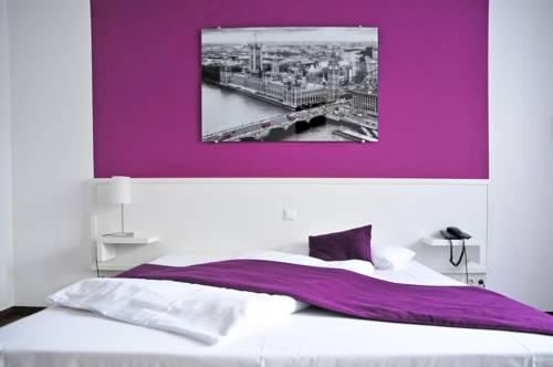 Hotel zum Brunnen Cover Picture