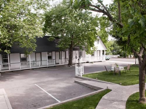 Sierra Mountain Inn Cover Picture