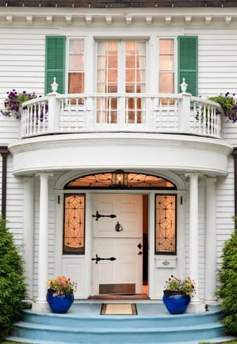 Hampton Terrace Inn Cover Picture