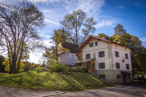 Schlossgaststätte Hohenberg Cover Picture
