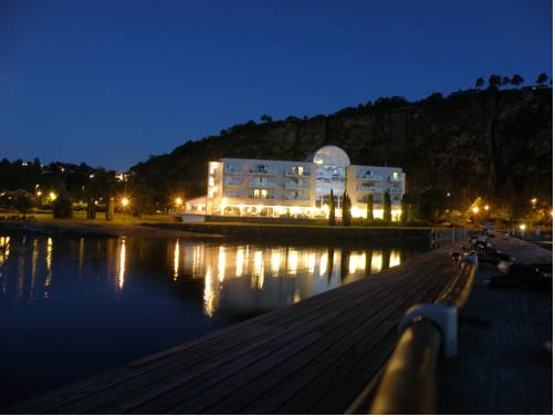 Holmestrand Fjordhotell Cover Picture