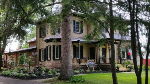 Carriagehouse Bed & Breakfast Cover Picture