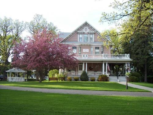Dakotah Rose Bed and Breakfast Cover Picture