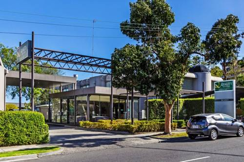 Quality Suites Beaumont Kew Cover Picture
