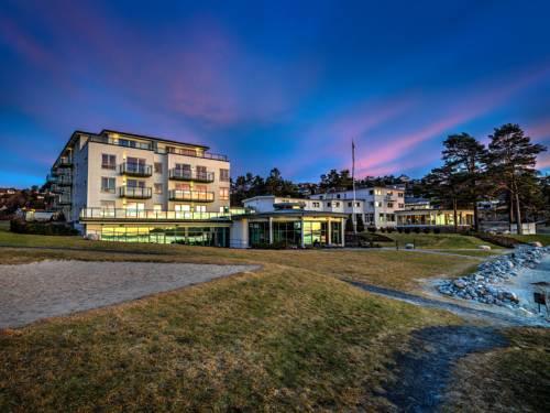 Strand Hotel Fevik Cover Picture