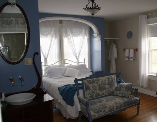 Wakamow Heights Bed and Breakfast Cover Picture