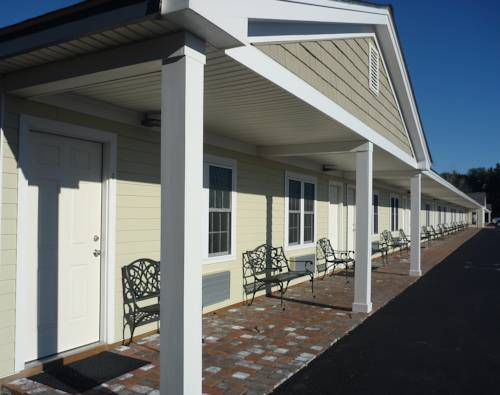 Yankee Clipper Motel Cover Picture