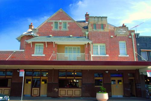 Captain Cook Hotel Botany Cover Picture