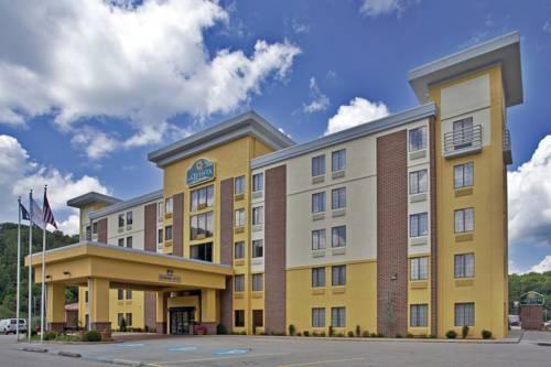 La Quinta Inn & Suites Elkview Charleston NE Cover Picture