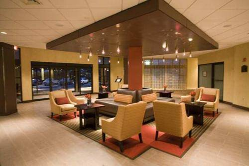 DoubleTree by Hilton Bradley International Airport Cover Picture