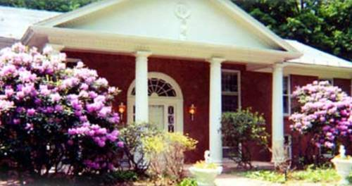 Enchanted Manor of Woodstock Bed and Breakfast Cover Picture
