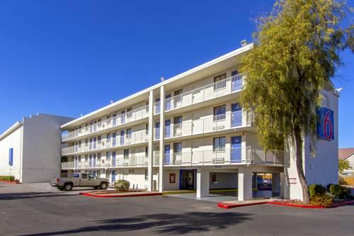 Motel 6 Phoenix - Northern Avenue Cover Picture
