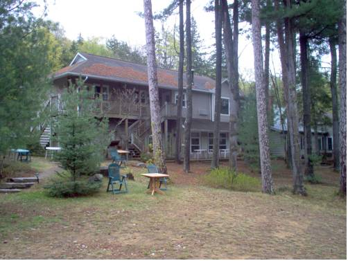 The Lake Of Bays Lodge Cover Picture