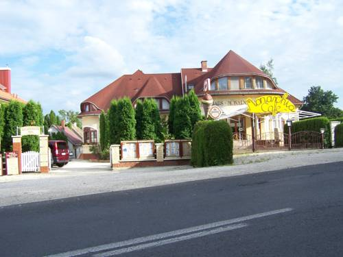 BA-S-HA Villa Panzió Cover Picture