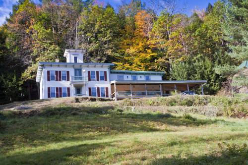 Cobble House Inn Bed & Breakfast Cover Picture