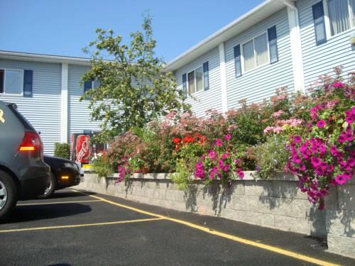 EconoLodge Inn & Suites - Pembroke Cover Picture