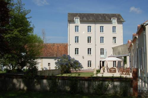 Le Moulin Neuf Cover Picture