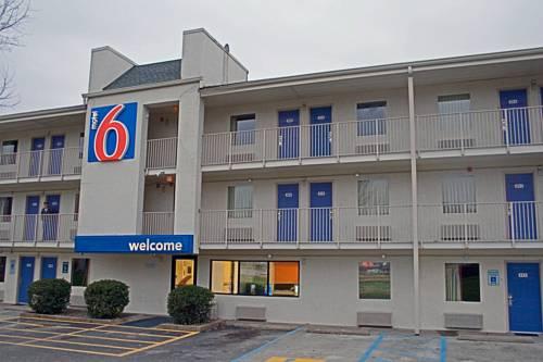 Motel 6 Charleston East Maccorkle Avenue Cover Picture