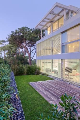 La Villa Blanche Cover Picture