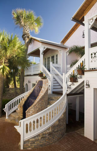 Port d'Hiver Bed and Breakfast Cover Picture