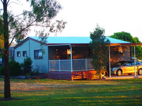 Killarney View Cabins and Caravan Park Cover Picture