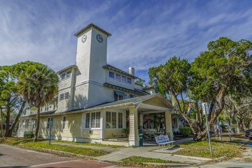 The Historic Peninsula Inn Cover Picture