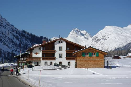 Gasthaus & Pension Alphorn Cover Picture