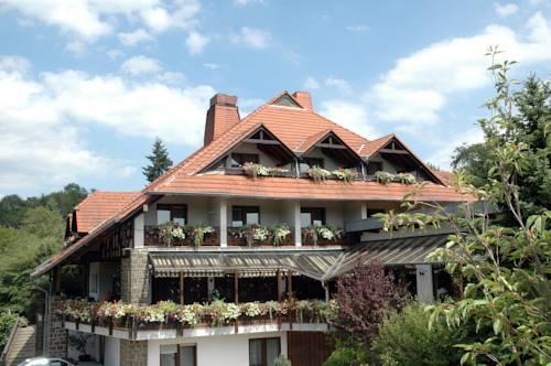 Hotel - Reweschnier Cover Picture