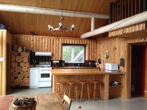 La Maison de la Rivière Cover Picture