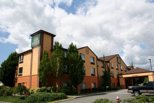 Evergreen Inn & Suites Cover Picture