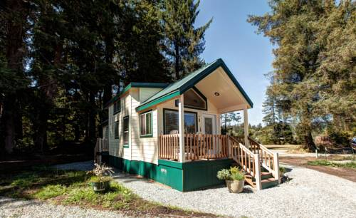 Sheltered Nook On Tillamook Bay Cover Picture