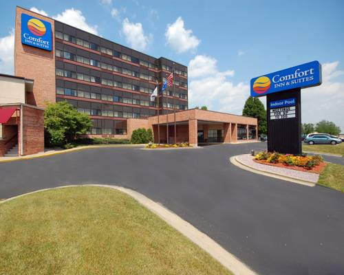 Comfort Inn & Suites Madison - Airport Cover Picture
