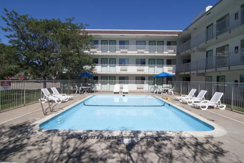 Motel 6 Minneapolis North - Roseville Cover Picture
