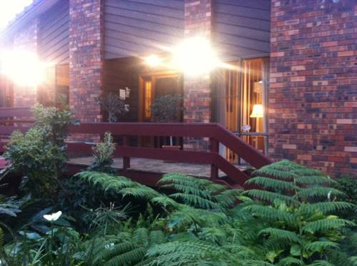 Bed and Breakfast at Kiama Cover Picture