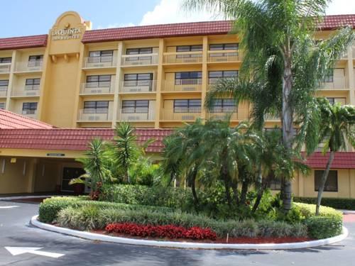 La Quinta Inn & Suites Coral Springs University Drive Cover Picture