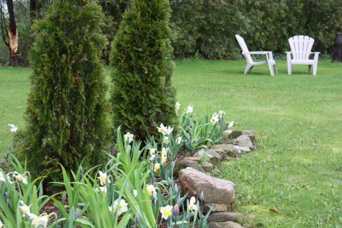 Crown Ridge Bed & Breakfast Cover Picture