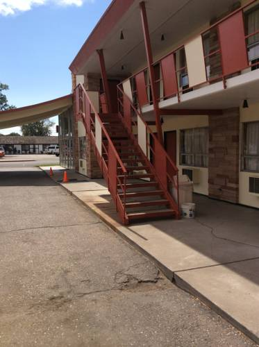 Towne Center Motel Cover Picture