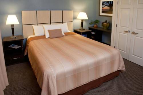 Candlewood Suites Phoenix Cover Picture
