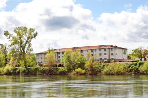 Holiday Inn Express Corvallis-On the River Cover Picture