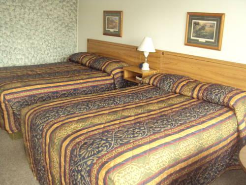 Pine Grove Motel Cover Picture