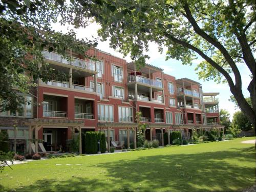 Strand Lakeside Resort by Okanagan Valley Rentals Cover Picture